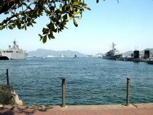 潜水艦の出航