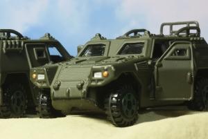 軽装甲機動車4