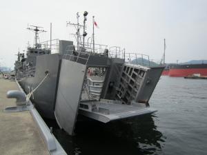 「自衛艦」いろいろ