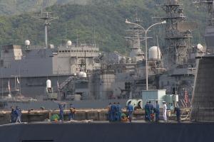 潜水艦出港準備-1