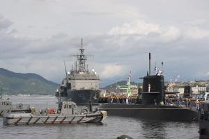 潜水艦出港準備-5