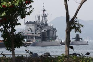 潜水艦の補修作業