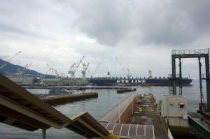 護衛艦と支援船