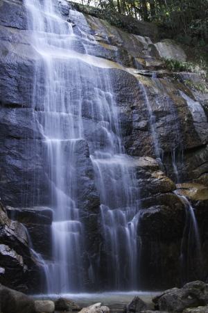 呉市焼山・深山の滝へ