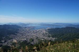 灰ヶ峰山頂へ