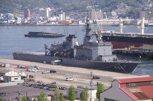 軍艦と秋色と
