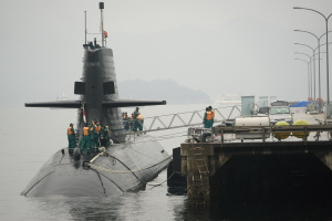 潜水艦帰港シーン