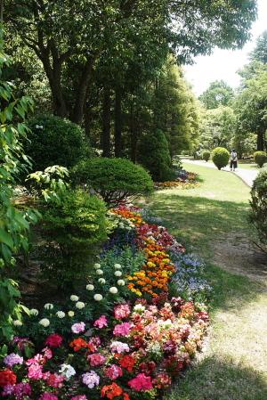 湧永庭園・花壇