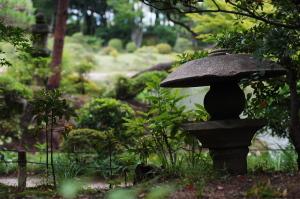 気象館と縮景園-結