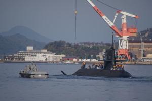 潜水艦出港シーン
