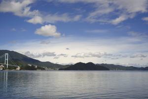 雲と海と島と
