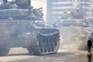 戦車の始動シーン