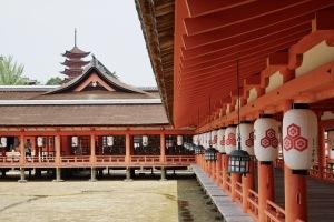日曜日の厳島神社