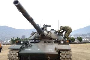 正しい戦車の乗り降り